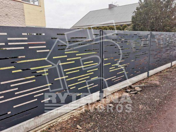 Sumontuota-pilkos-spalvos-tvora-modernaus-dizaino-BP001-su-tvoros-stulpais-ir-surenkamu-tvoros-pamatu
